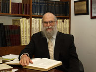 Picture of Rabbi Elimelech Silberberg.